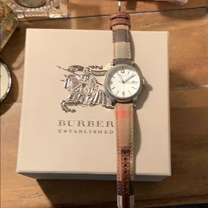 Burberry women's heritage watch